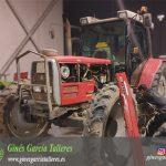 Taller de reparación de tractores agrícolas